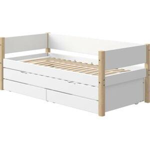 Bílá dětská postel s přídavným výsuvným lůžkem a úložným prostorem a nohami z březového dřeva Flexa White
