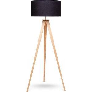Stojací lampa s dřevěnými nohami a černým stínidlem loomi.design Karol